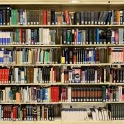Foto: Bücheregal mit 6 Regalen